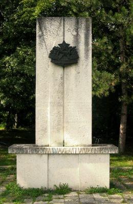 Slavkov - pomník padlým ve 2. světové válce (autor: JiriZamecnik)