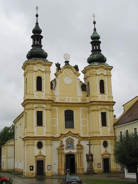 Strážnice - kostel Nanebevzetí P. Marie  (autor: Manka)
