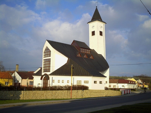 Suchá Loz - kostel sv. Ludmily (autor: Palickap)