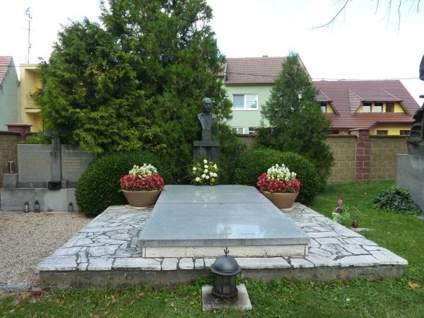 hřbitov Slovácký slavín